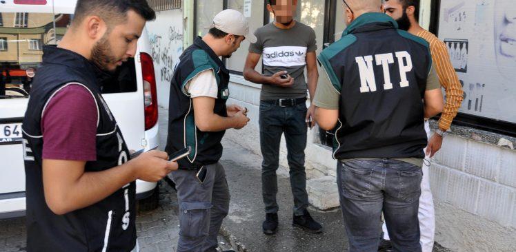 Osmaniyede Okul Önlerinde Uyuşturucu