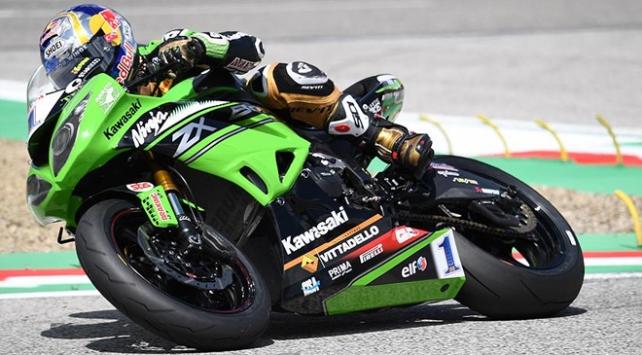 Sofuoğlu İtalya'da sezonun 5. yarışında birinci oldu